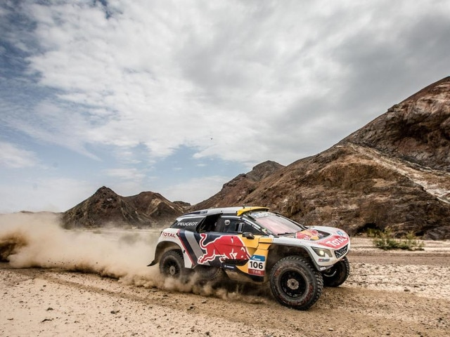Týmový duch Peugeotu ožil, když Despres upevnil vedení v Silk Way Rally